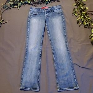 GUESS JEANS.                     #537